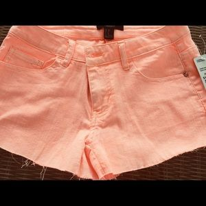 Forever 21 Short Peach 🍑 Size 26 new with tag